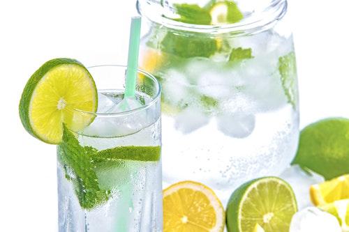 Ледяные напитки могут навредить зубам