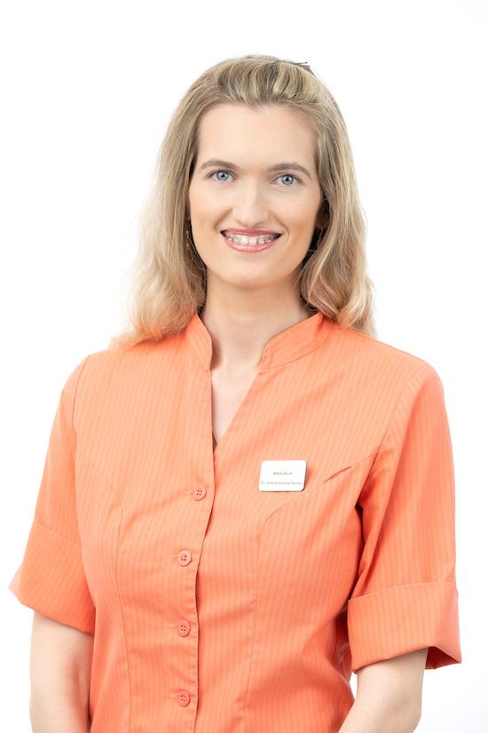 Dr. Anette Ariana Pärnits | Hambaarst Tallinnas | Sakala Hambaravi