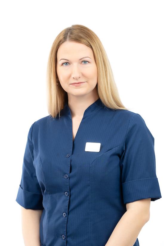 Dr. Ingrid Ruusmaa   Proteesimine   Sakala Hambaravi Tallinnas