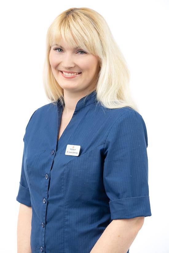 Dr. Laura Saksing | Hambaarst | Parodontoloog | Sakala Hambaravi